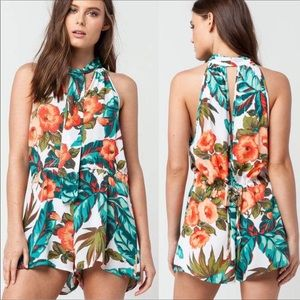 O'Neill floral romper w keyhole back and front